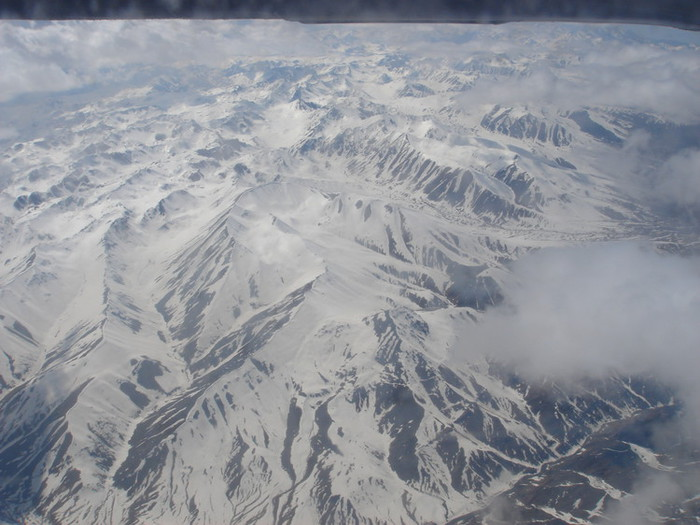 雪の被った天山山脈