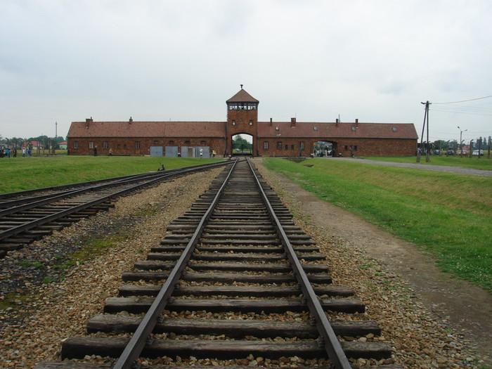 ビルケナウ Birkenauの線路