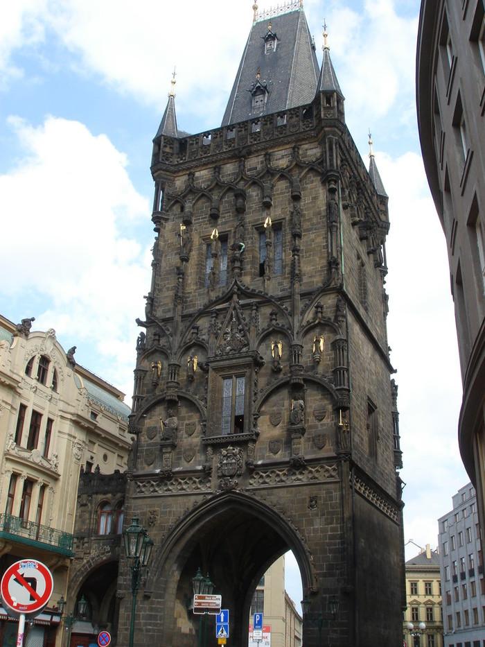 チェコ・プラハ 火薬塔