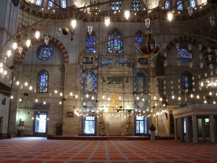 イスタンブールのモスク内