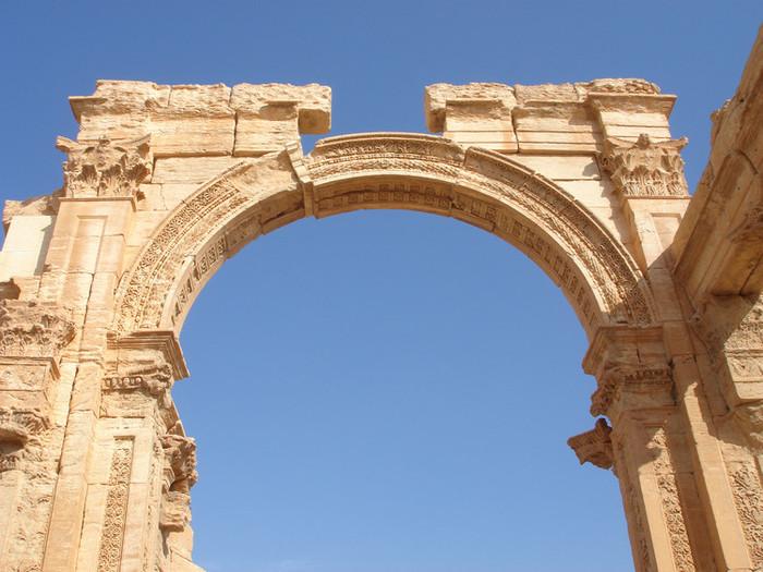 パルミラ遺跡の門
