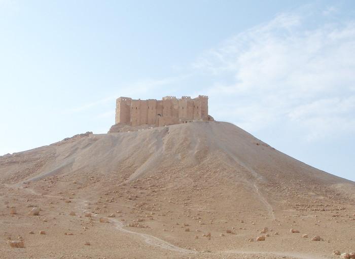パルミラ遺跡から見るアラブ城