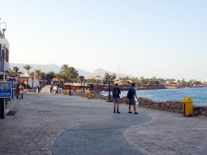 ダハブのビーチ沿い