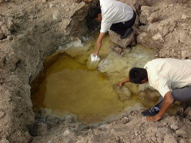 アイディン湖の塩の水