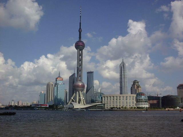 近未来な建物 アジア一高いテレビ塔