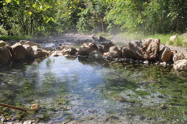 パーイにある温泉。温泉たまごも作れる